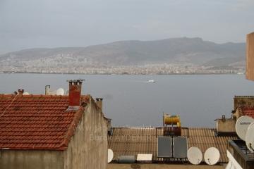 Asansör Yakını Betonyol'da 3 Odalı Deniz Manzaralı Satılık Tadilatlı Konut