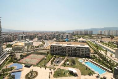 Mavişehir Yaşam Park'da 2 Odalı Net 105 M2 Çift Cepheli Ara Kat Daire