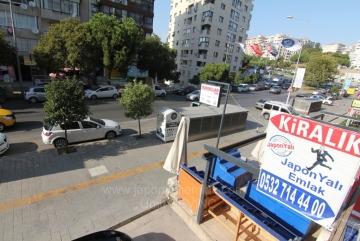 İnönü Caddesi Göztepe Metro İstasyonu Yakını Asansörlü, Otoparklı, Kiralık Daire