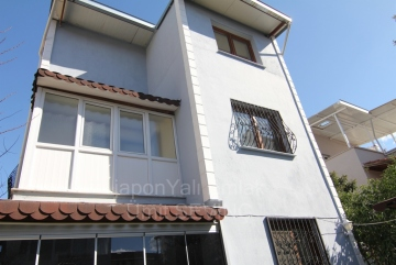İzmir Menderes Mithatpaşa mah.Satılık 4+1 Tadilatlı Villa