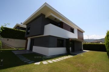 İzmir Güzelbahçe Kahramandere Site İçinde 4+1 Kiralık Süper Lüks Villa