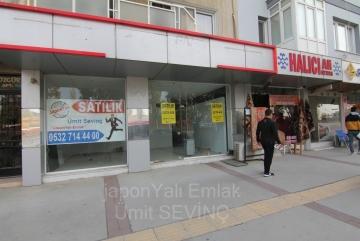 İzmir Balçova Agora Karşısı Cadde Üzeri 120+50 m2 Satılık Dükkan
