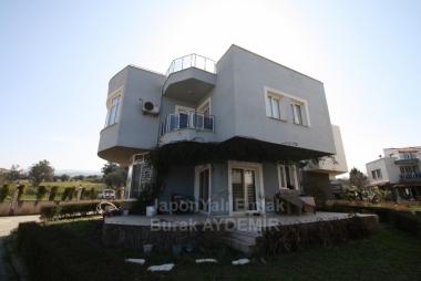 Güzelbahçe Kahramandere Mah. 175 M2 Kullanım Alanlı 3+1 Havuzlu Satılık Villa