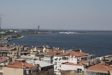 Göztepe 96 Sokak'da Asansörlü Deniz Manzaralı 3 Odalı Satılık Konut