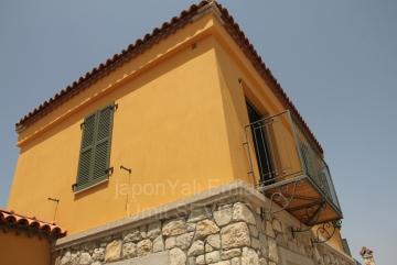 İzmir Urla Kuşçular 3.200 M2 Arsası olan Site İçinde 3+1 Satılık Villa