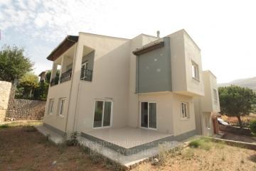 Güzelbahçe Kahramandere'de 4 Odalı Net 200 M2 Havuzlu Site İçi Satılık Villa